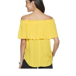 Off the shoulder front tie knot blouse